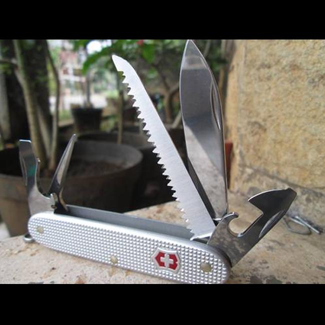Нож Victorinox Pioneer 0.8241.26