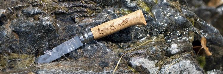 Нож Opinel №8 Animalia, нержавеющая сталь, рукоять дуб, гравировка форель