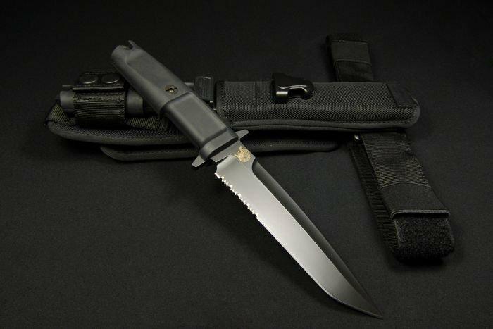 Нож Extrema Ratio Dobermann III полусеррейтор